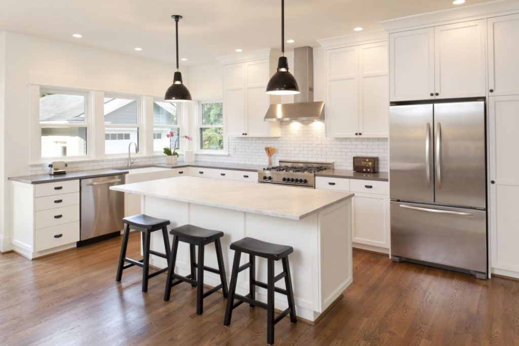 4 Reasons to Have an Island in Your Kitchen