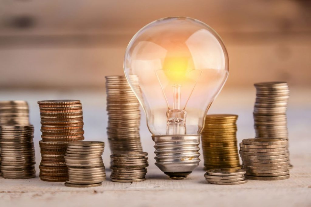 8 Effective and Thrifty Ways to Save Energy at Home