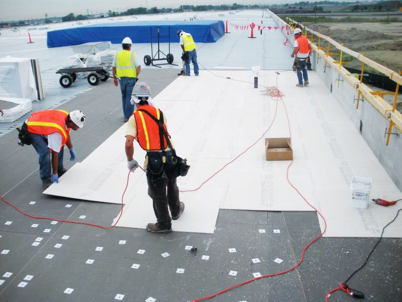 8 Questions to Ask Commercial Roofers to Get the Roof You Want