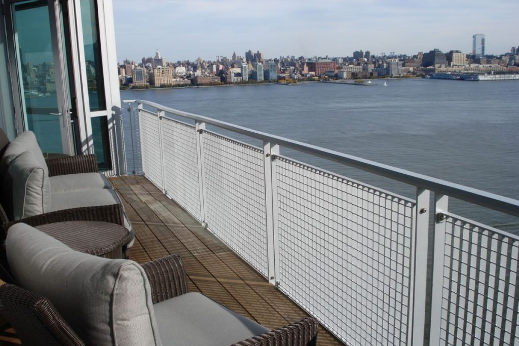 Choosing a Heater for Your Bachelor Pad Balcony in Readiness for Winter