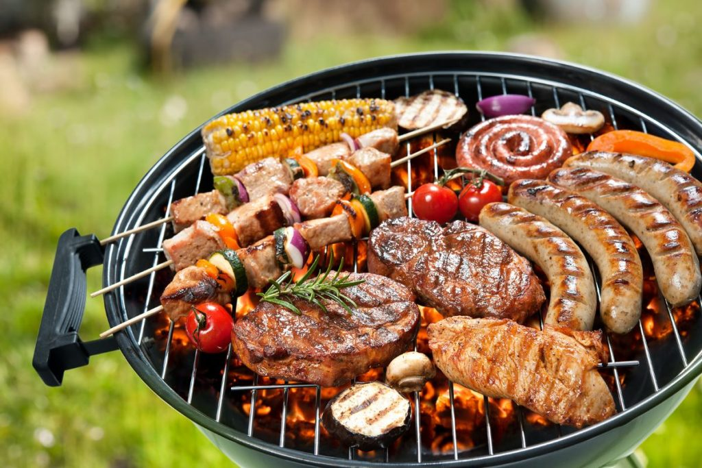 How to Wow Your Guests at an Outdoor Barbecue Party
