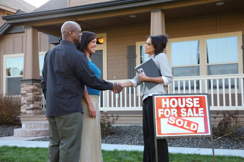4 Expert Tips for Selling Your Home Quickly
