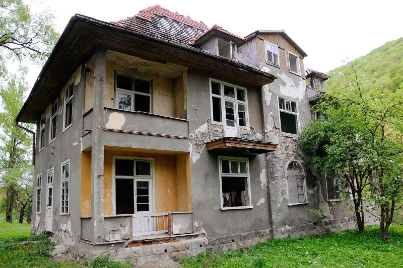 A Guide to Buying Fixer-Upper Homes for First-Time Home Buyers