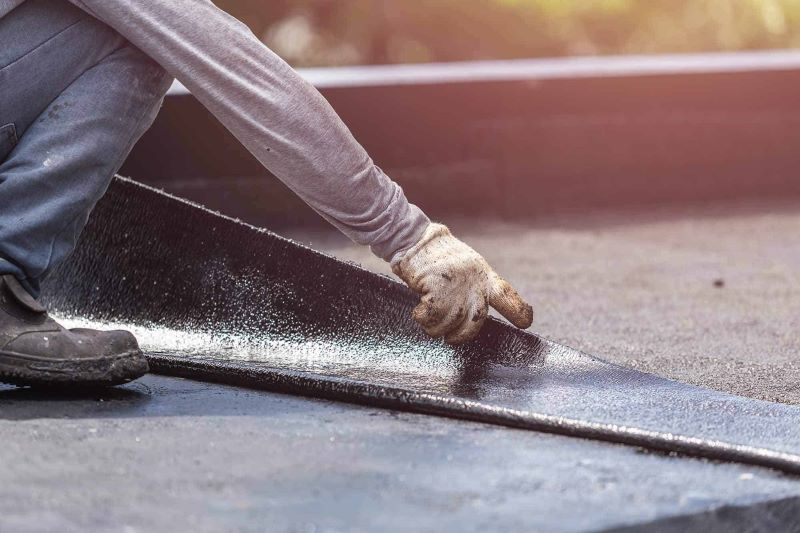 How to detect and repair commercial roof leakage
