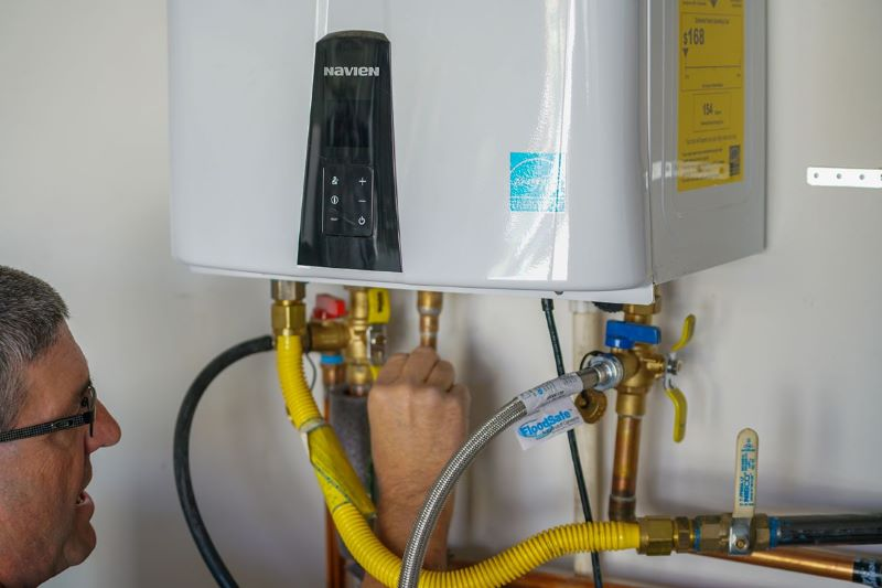 Why Should You Install a Tankless Water Heater in Your Alexandria Home