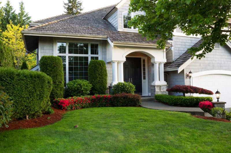 Top 5 Ways to Improve the Curb Appeal of Your Home